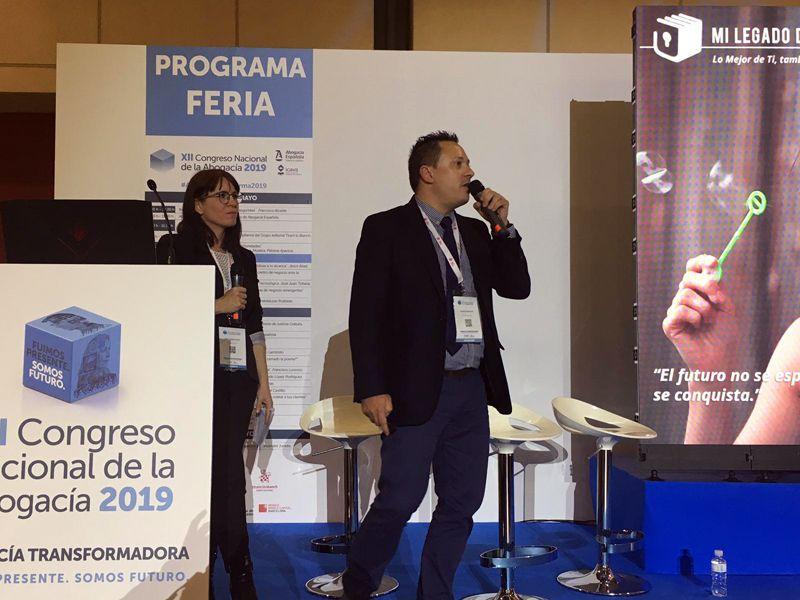Óscar Domínguez presentando Digital Lawyer Box