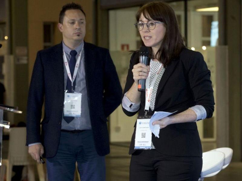 Judith Giner y Óscar Domínguez presentando Digital Lawyer Box